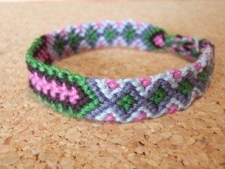 ねじりミサンガや斜め編み込みなどのかわいいミサンガの編み ...